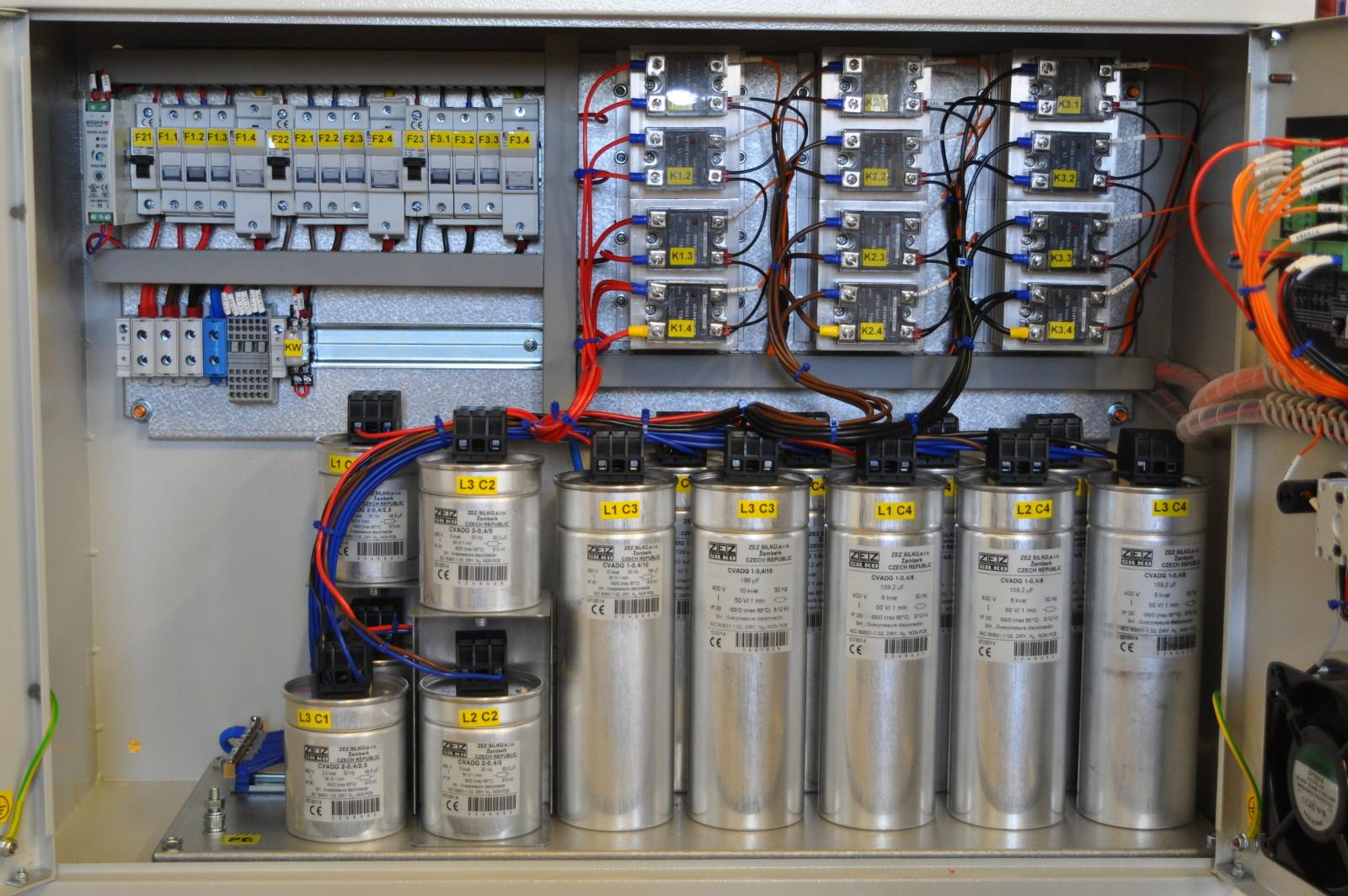 Baterie kondensatorów - kompensacja mocy biernej